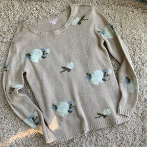 Lovely sweater with blue flowers
